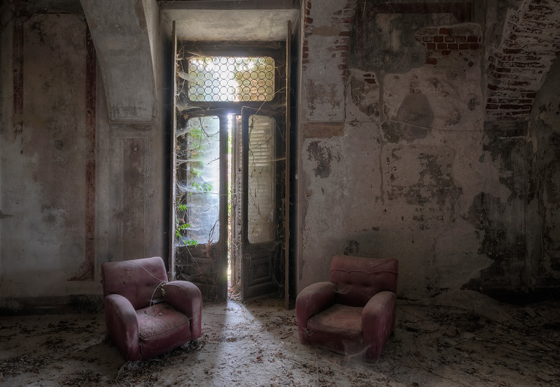 The Wait - A room in an abandoned castle that looks pretty peaceful until you check the upper floor and discover that the whole floor including the roof has collapsed and pressing down on the ceiling.